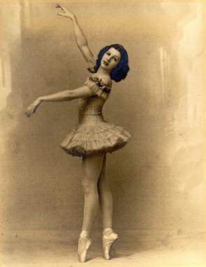 ballerina-1614928_1920.jpg